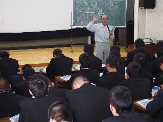 講義する橋本講師