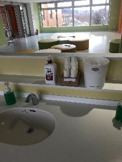 【調整済】うがい薬・うがい用紙コップも手洗い等の各所に